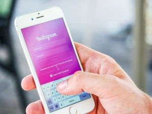 smart phone using instagram